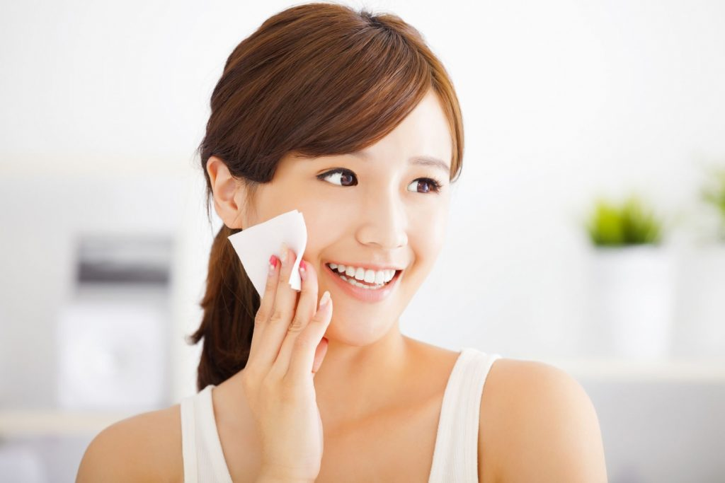 face tonrs for oily skin